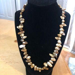 Beautiful Shell/Stone Necklace